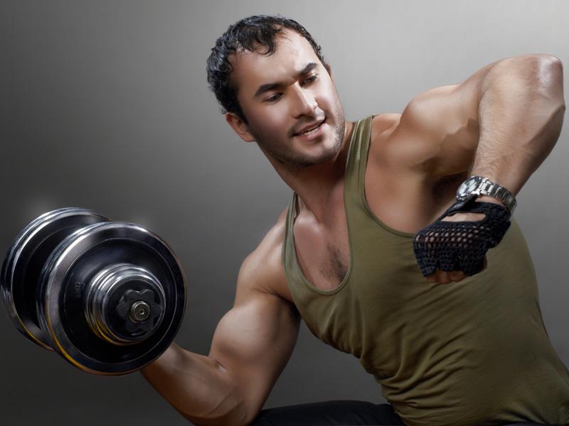 Домашние упражнения с гантелями для мужчин