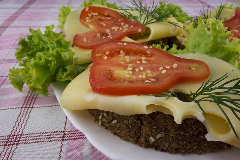 Вкусные и полезные перекусы на работе и дома